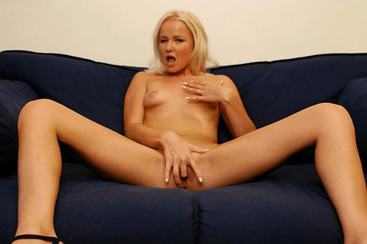Blonde Milf sucht unverbindliche Erotikdates mit Herren aus der Nachbarschaft